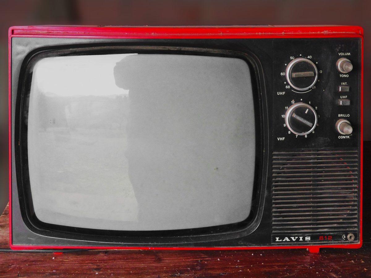 Wieczorny wypoczynek przed telewizorem, czy też niedzielne filmowe popołudnie, umila nam czas wolny ,a także pozwala się zrelaksować.